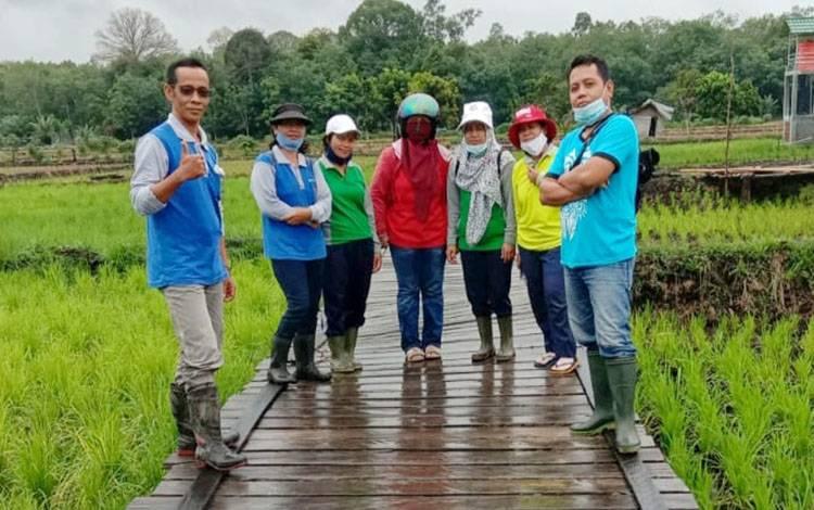 Kegiatan lapangan penyuluh BPP Dusun Timur