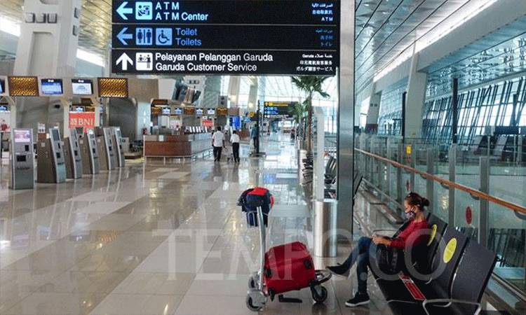 Suasana sepi di Terminal 3 Bandara Soekarno-Hatta, Tangerang, Banten, Kamis, 9 Juli 2020. Persyaratan tersebut di antaranyai identitas diri, dokumen penerbangan, dan hasil rapid atau PCR test negatif COVID-19. TEMPO / Hilman Fathurrahman W