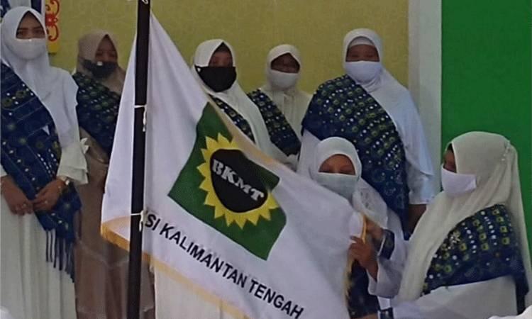 Suasana pengukuhan Pengurus Daerah BKMT Kabupaten Gunung Mas.
