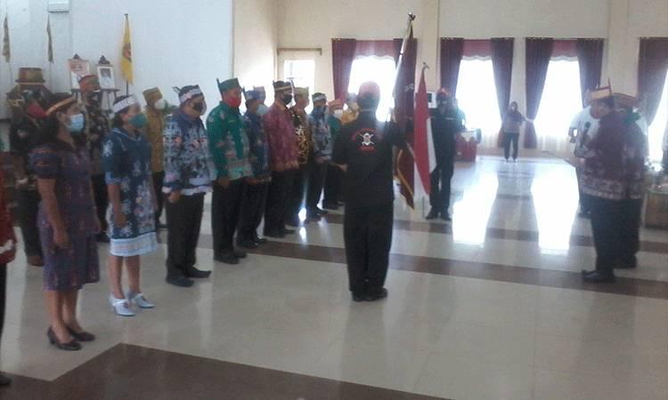 Suasana pengukuhan pengurus DAD Kabupaten Katingan oleh pihak DAD Provinsi Kalteng.