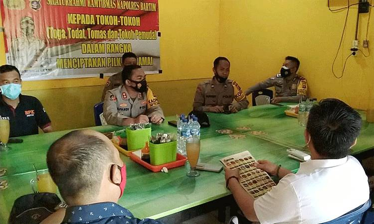 Kapolres Barito Timur Affandi Eka Putra melakukan silaturahmi dengan beberapa tokoh di Kecamatan Dusun Tengah.