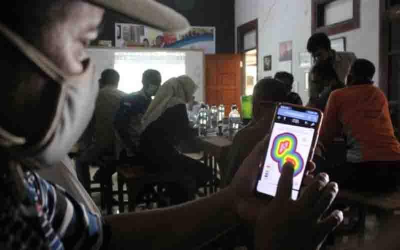 Aplikasi berbasis android untuk memantau potensi karhutla.