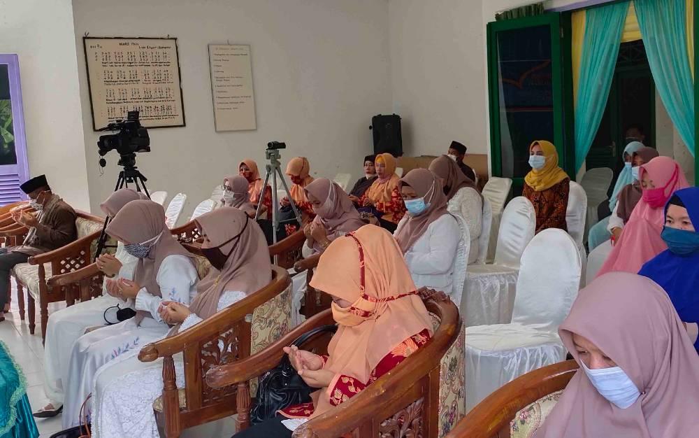 Pelaksanaan maulid nabi yang digelar PKK Sukamara