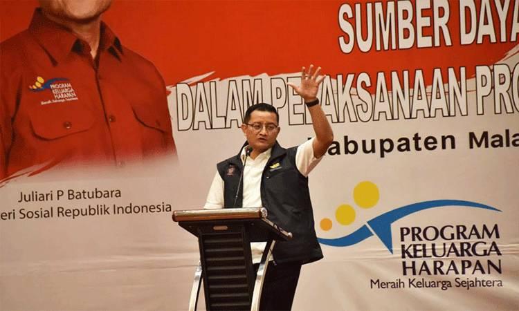 Menteri Sosial Juliari P Batubara saat memberikan pengarahan koordinasi teknis Sumber Daya Manusia Program Keluarga Harapan (SDM PKH), di Malang, Jawa Timur. (HO-Ditjen Linjamsos/VFT)