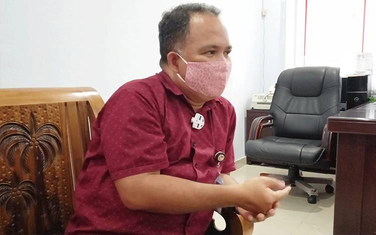 Kepala Cabang Bank Kalteng Tamiang Layang, Soleman Hukubun.
