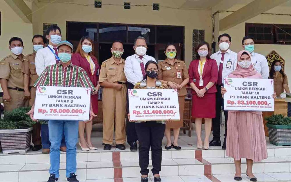 Diskoperin Barito Timur menyalurkan bantuan dana CSR UMKM Berkah