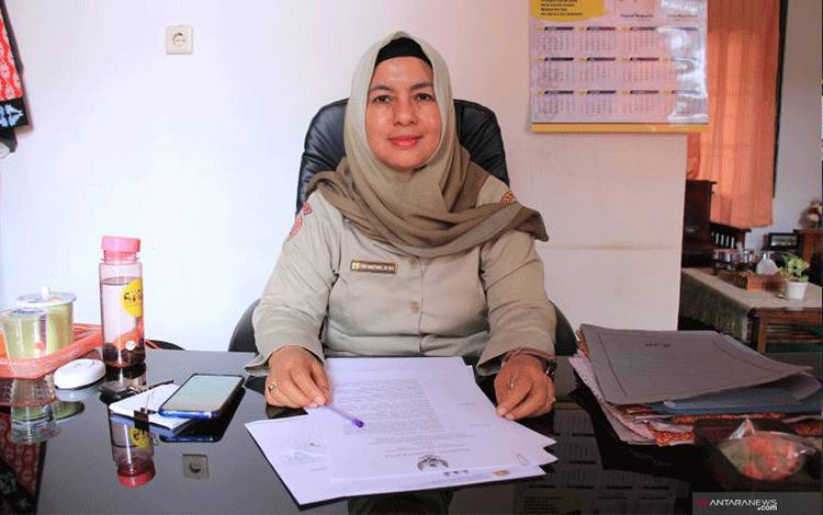 Ketua Harian Satgas Penanganan COVID-19 Kota Palangka Raya Emi Abriyani. ANTARA/Rendhik Andika