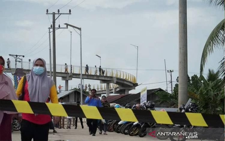 Penutupan kawasan jembatan pulau Bromo Banjarmasin.(Antaranews Kalsel/Humas Pemkot Banjarmasin)