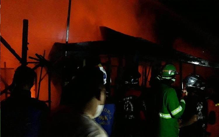 Kebakaran di Gang Suka Damai Kamis pagi.
