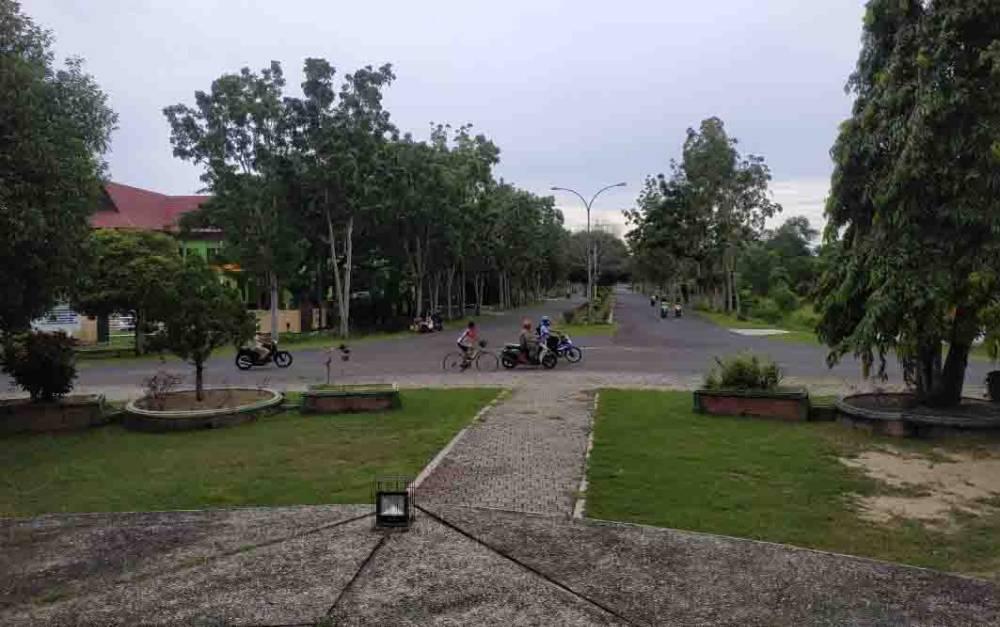 Kawasan Bundaran II Kuala Pembuang diusulkan ditata untuk kawasan ruang publik.