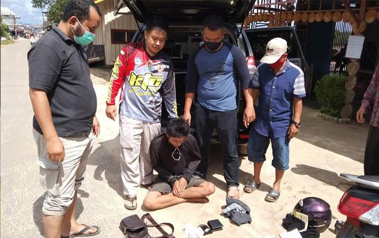 Anggota Satres Narkoba dan Polsek Katingan Tengah menamgkp residivis pengedar sabu.