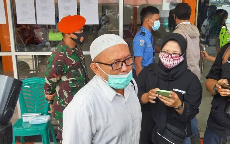 Rafiq Yusuf Al Idrus, suami dari satu di antara penumpang Sriwijaya Air SJ 182 di Posko Ante Mortem (ANTARA/Dedi)