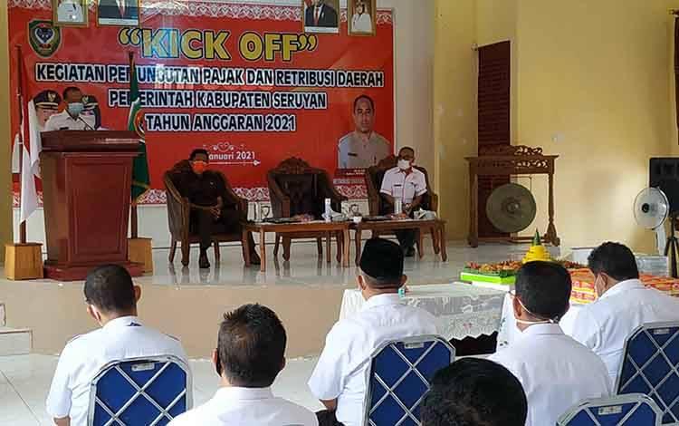 Wakil Ketua DPRD Seruyan Bambang Yantoko saat menghadiri Kick Off Pemungutan Pajak dan Retribusi Daerah tahun 2021