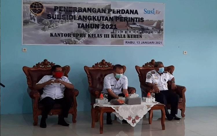 Ketua DPRD Kabupaten Gumas, Akerman Sahidar (kiri).