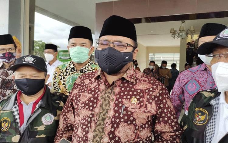 Menteri Agama Yaqut Cholil Qoumas saat dimintai keterangan di UIN Radin Intan Lampung, Bandarlampung, Kamis. (14/1/2021). (ANTARA/Dian Hadiyatna)