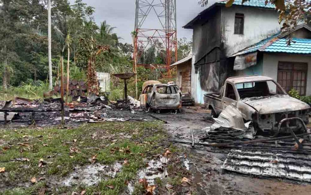 Kebakaran Hanguskan 1 Rumah di Desa Hayaping, 2 Mobil dan 1 Sepeda Motor Turut Terbakar