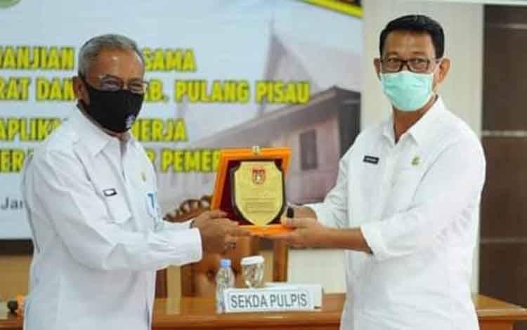 Sekda Kobar Suyanto danSekda Pulang Pisau Saripudin