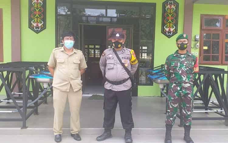 Tiga pilar Kecamatan Arut Selatan melakukan pengecekan safe house antisipasi terhadap korban bencana alam.