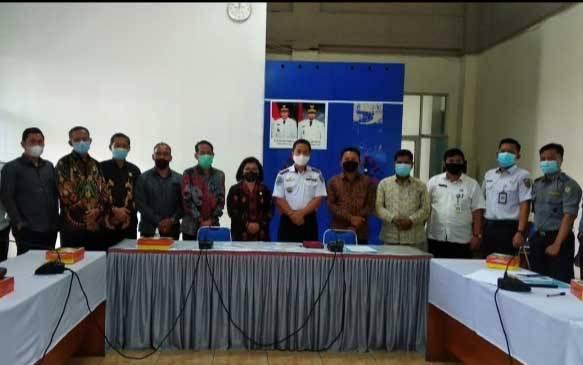 Komisi IV DPRD Kotawaringin Timur saat koordinasi dengan Dinas PUPR Provinsi Kalteng terkait kerusakan jalan lingkar selatan.