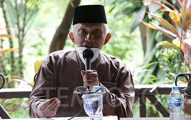 Politikus Senior Amien Rais saat menyampaikan sikap dan tuntutan atas perkembangan kehidupan berbangsa di kawasan Senayan, Jakarta, Kamis, 17 Desember 2020. (foto : TEMPO/M Taufan Rengganis)