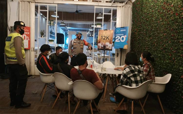 Pemilik Kafe di Palangka Raya Bakal Didenda Segini Jika Langgar Jam Operasional