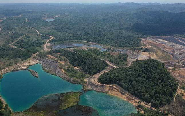 Areal bekas tambang batu bara di Kecamatan Samboja, Kutai Kartanegara, Kalimantan Timur, Rabu, 28 Agustus 2019. Kementerian LHK akan memperbaiki lubang-lubang bekas tambang di kawasan calon ibu kota negara baru. (foto : ANTARA/Akbar Nugroho Gumay)