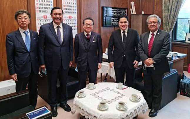 Menko Bidang Kemaritiman dan Investasi Luhut Pandjaitan telah bertemu dengan Penasehat Perdana Menteri Jepang, Izumi Hiroto di Kantor Perdana Menteri Jepang pada Kamis, 3 Desember 2020. (sumber : Kemenko Maritim)