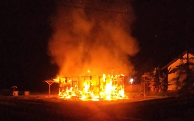 Rumah di Desa Sumber Garunggung Ludes Dilalap Api, Diduga Dibakar oleh Pemiliknya