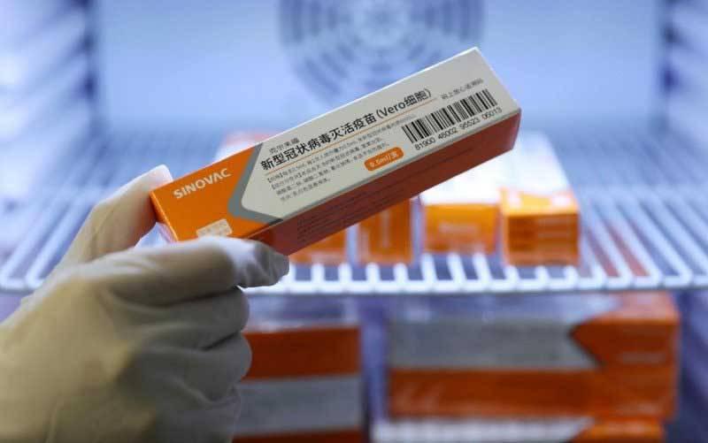Kotak vaksin COVID-19 produksi perusahaan farmasi China, Sinovac, di Qingdao, Provinsi Shandong, China, 5 Januari 2021. (foto : China Daily via REUTERS)