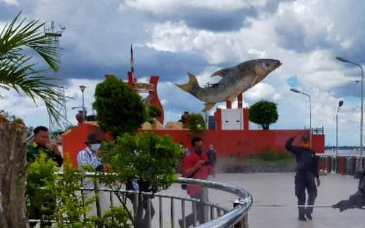 Ikon Kota Patung Jelawat di Sampit yang menjadi objek wisata andalan.