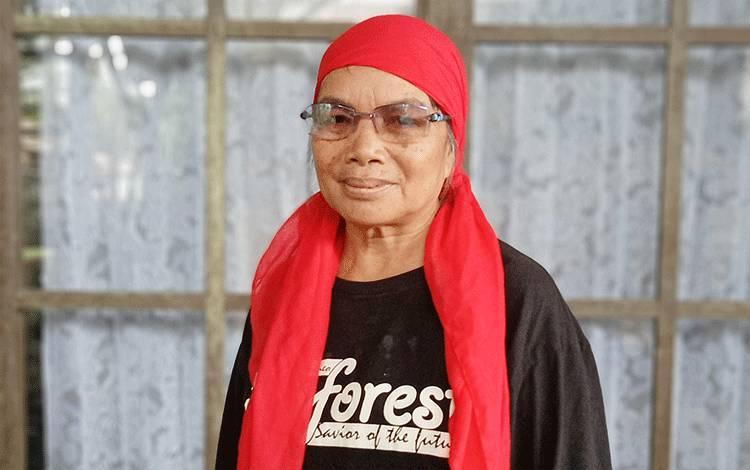 Pendamping masyarakat adat dari JPIC dan Perempuan AMAN, Mardiana.