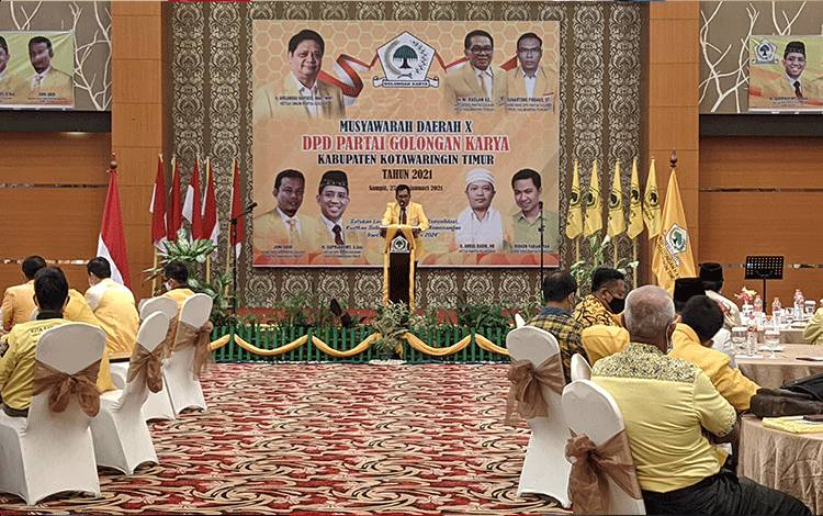 Ketua DPD Partai Golkar Kotim Supriadi, saat menyampaikan sambutan pada Musda ke-10 DPD Partai Golkar Kotim.