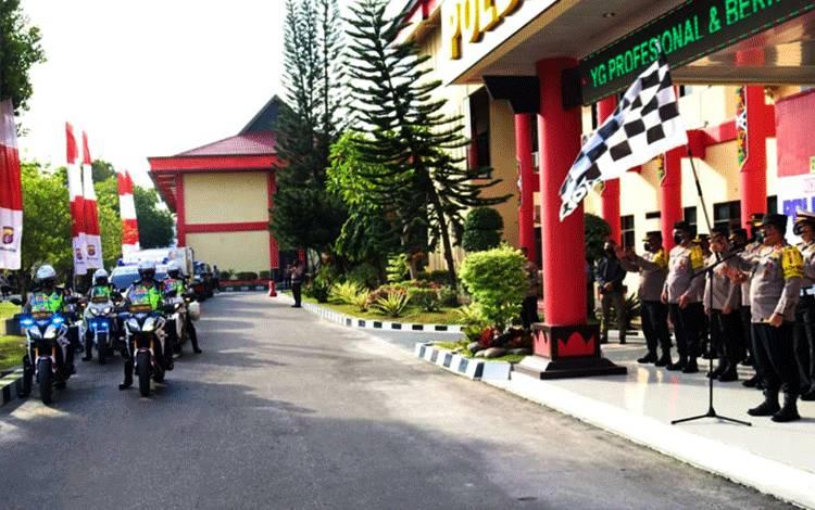 Kapolda Kalteng Irjen Dedi Prasetyo melepas pendistribusian puluhan ribu telor ke Kalimantan Selatan.