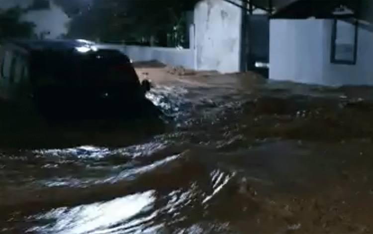 Banjir di Kabupaten Nganjuk, Minggu (14/2/2021) malam. ANTARA Jatim/ istimewa