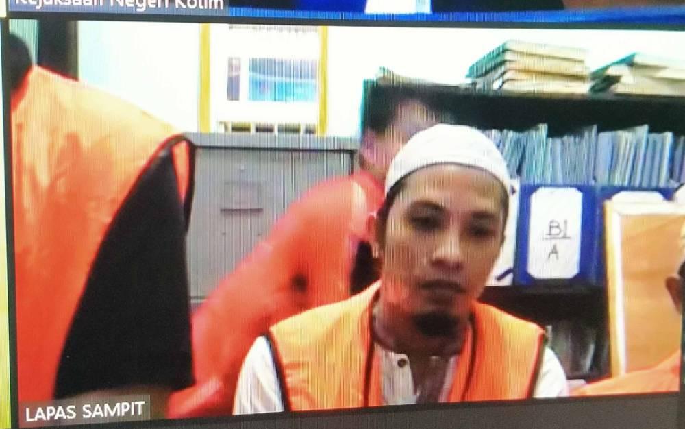 Terdakwa kasus sabu, Indri Lifiannor alias Lifi, Siswanto dan Miriy.