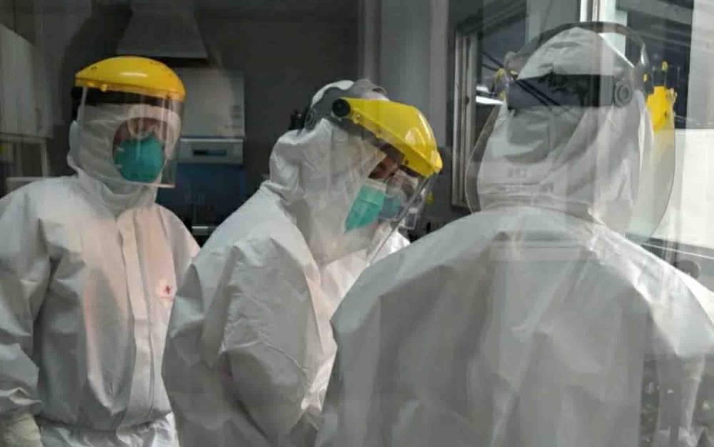 Petugas laboratorium RSUD dr Soemarno Sosroatmodjo Kuala Kapuas saat ikuti pelatihan PCR di Banjarmasin