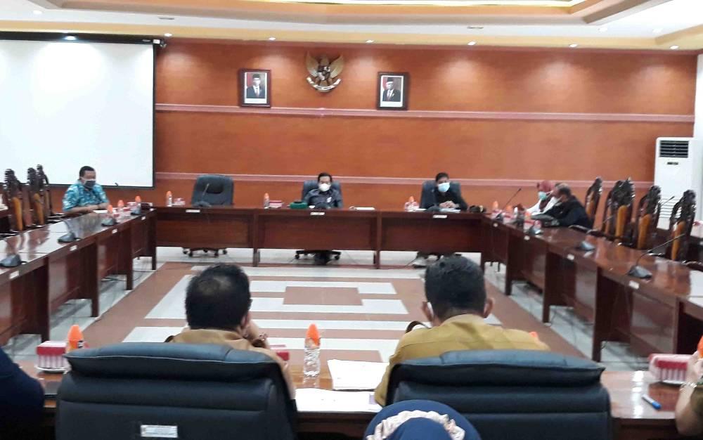 Suasana saat Komisi II DPRD Kapuas gelar RDP dengan pihak eksekutif, bertempat di ruang rapat gabungan pada Selasa 23 Februari 2021.