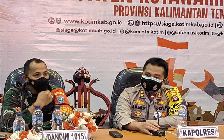 Kapolres Kotim AKBP Abdoel Harris Jakin bersama Dandim 1015 Sampit Letkol CZI Akhmad Safari.