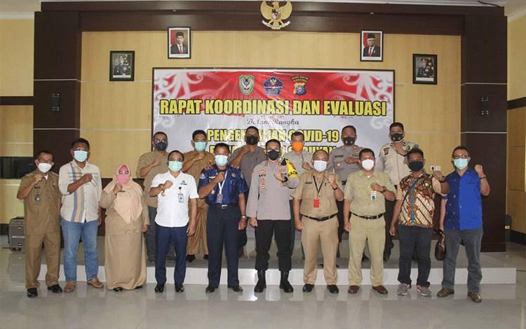 Rapat Koordinasi dalam rangka pengendalian Covid-19 di Kabupaten Seruyan.