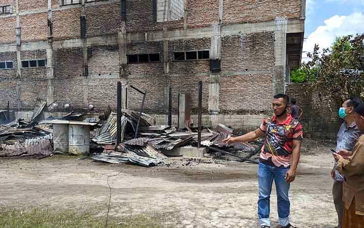 Sebuah rumah ludes terbakar di Jalan Jeruk 4 Sampit.