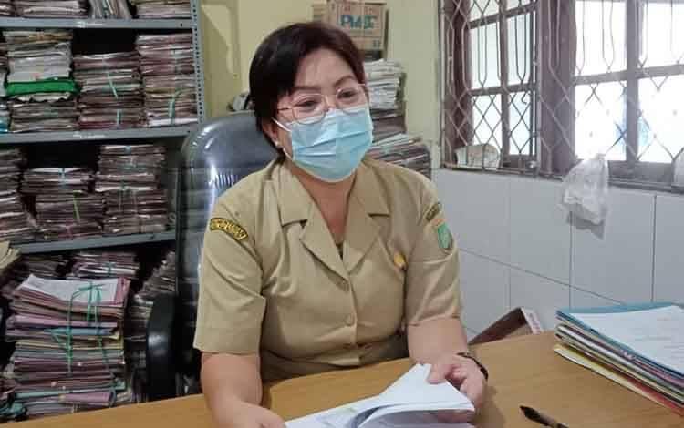 Kepala Bidang Pelayanan Pendaftaran Penduduk, Misnawaty N. Lambung