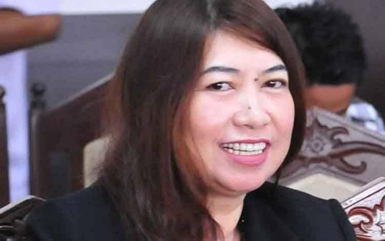 Legislator DPRD Klateng, Evi Kahayanti