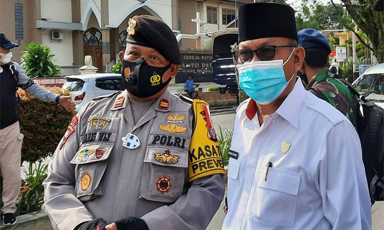 Wakil Ketua II DPRD Kobar Bambang Suherman (kanan).