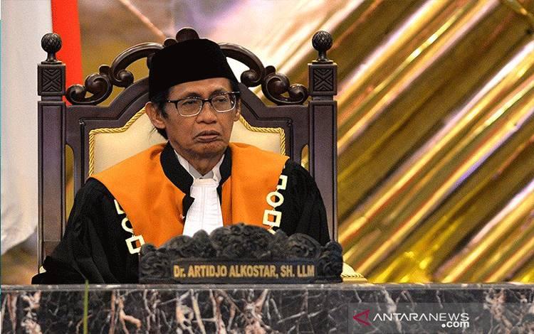 Artidjo Alkostar saat menjabat sebagai Ketua Kamar Pidana Mahkamah Agung (MA). ANTARA FOTO/Widodo S. Jusuf/pd/aa. (ANTARA FOTO/Widodo S Jusuf)