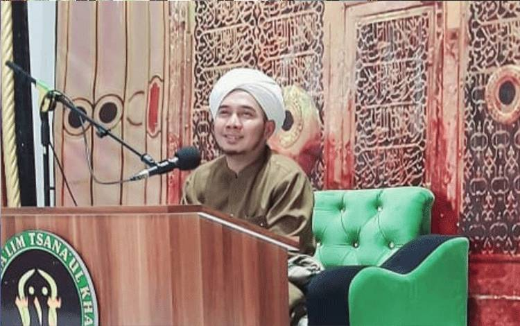 Pimpinan Pondok Pesantren Darul Amin Sampit, Ustadz Ahmad Rayyan Zuhdi Abrar.