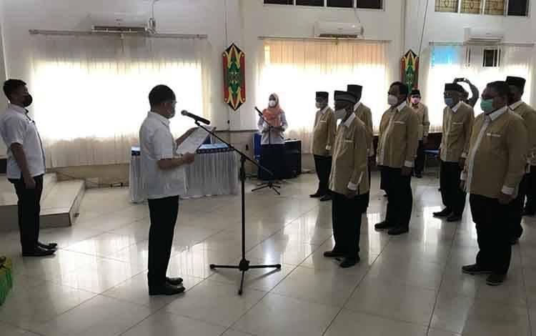 Suasana saat pengukuhan Pengurus FKUB Kabupaten Kapuas Periode 2021 - 2025, bertempat di Aula Bappeda Kapuas pada Rabu, 3 Maret 2021.