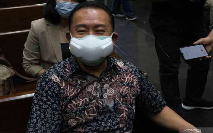 Djoko Tjandra menunggu sidang pembacaan dakwaan dimulai di Pengadilan Tindak Pidana Korupsi (Tipikor) Jakarta, Kamis (4/2/2021)