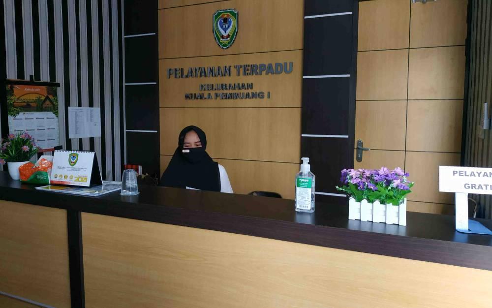 Kantor Kelurahan Kuala Pembuang I siap memberikan pelayanan cepat anti telat.