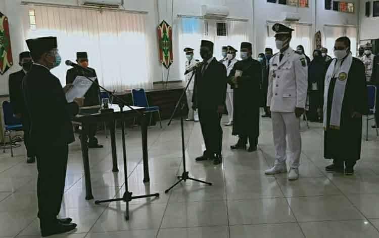 Pelantikan pejabat administrator dan pengawas di lingkungan Pemkab Kapuas, Kamis 4 Maret 2021