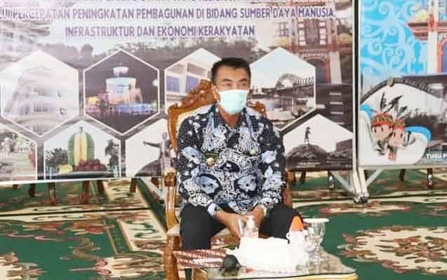 Wakil Bupati Barito Utara, Sugianto Panala Putra, saat mengikui rapat dewan pengurus APKASI, Jumat, 5 Maret 2021.